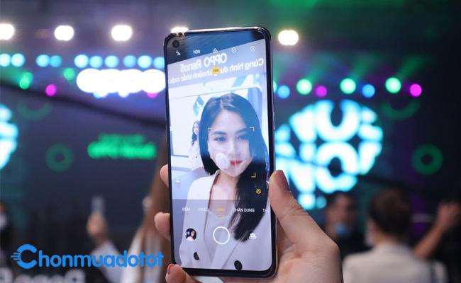 Selfie ấn tượng với tính năng AI Beautify
